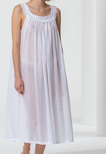Celestine Modell Constanze ein schönes Nachthemd